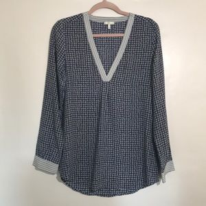 Joie silk tunic blouse star print v neck small